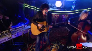 Paddy Casey 'Saints & Sinners' performed live for GiftedLive.com on 07/11/12